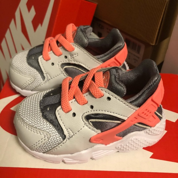 Nike Shoes   Toddler Huaraches Size 4